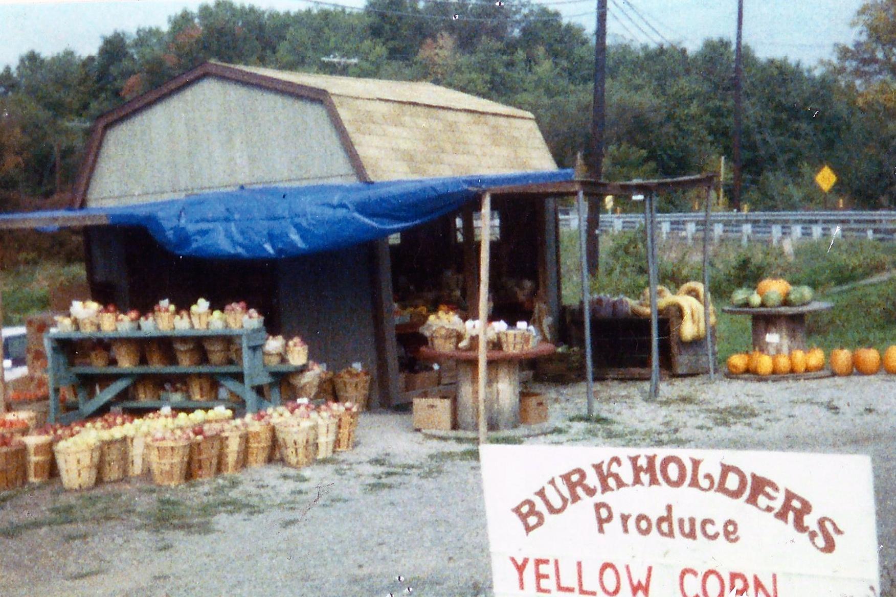 1987-1991: Mini Barn Produce Stand